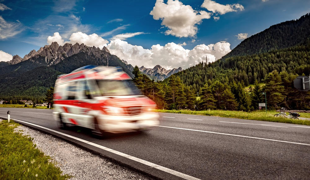 ambulanza in strada